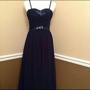 Chi chi London gown